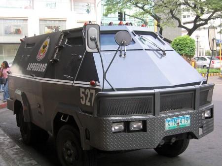 Armored-car-Manila - Droit d'auteur: Wikipédia – License CC0