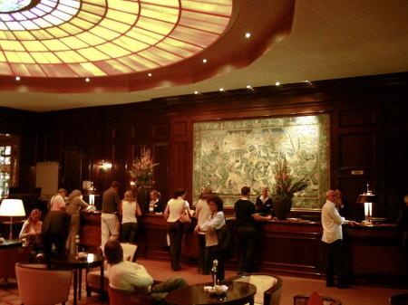 Front desk-hotel Gemeinfrei - Droit d'auteur: Wikipédia – License CC0