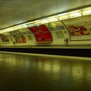 Poseur d'affiches publicitaires 7