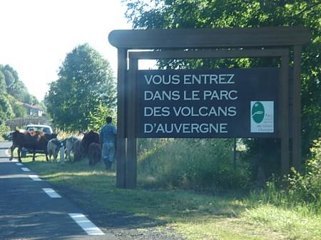 Entrée parc des volcans d'Auvergne - – droit d'auteur : Wikipedia – License CC0
