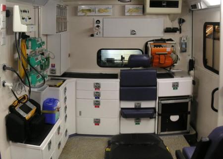 Ambulance Interior - Droit d'auteur: Wikipédia – License CC0
