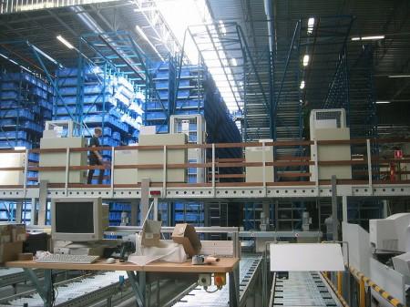Automatisches Kleinteilelager - Droit d'auteur: Wikipédia – License CC0