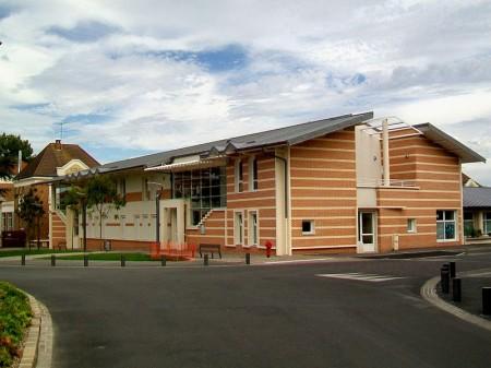 Persan (95), centre de loisirs périscolaire et crèche - Droit d'auteur: Wikimédia – License CC0