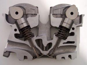 Coupe d'une culasse de moteur