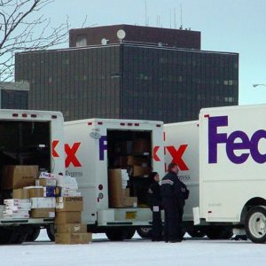 Camions de Fedex à Anchorage en Alaska