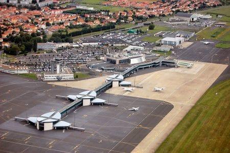 Aeroport clermont ferrand auvergne va - Droit d'auteur: Wikipédia – License CC0