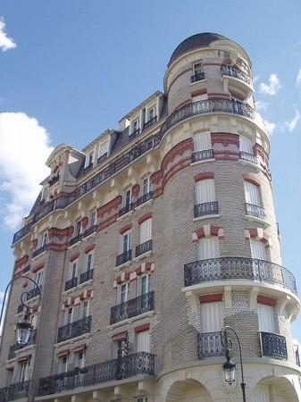Puteaux Immeuble rue monge - Droit d'auteur: Wikimédia – License CC0