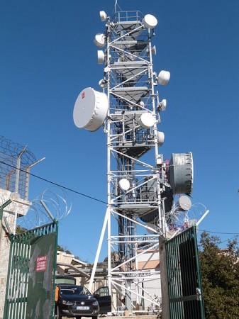 Pylône des antennes de télécommunications - Droit d'auteur: Wikimédia – License CC0