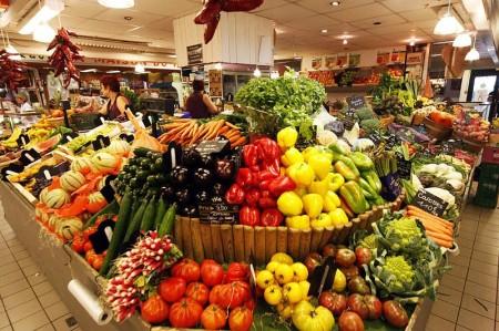 Fruits et légumes aux Halles - Droit d'auteur: Wikimédia – License CC0