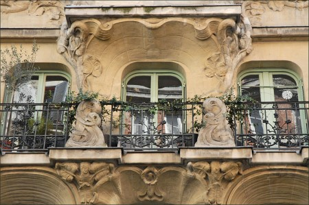 Immeuble Les Arums, Paris 008 - Droit d'auteur: Wikimédia – License CC0