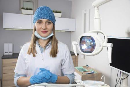 femme_dentiste