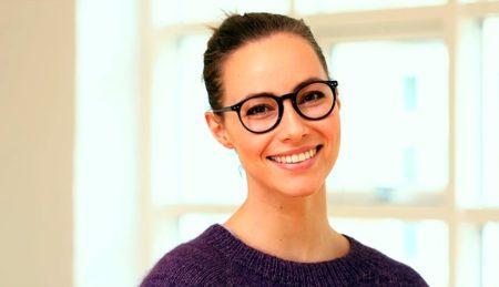 Femme avec le sourire