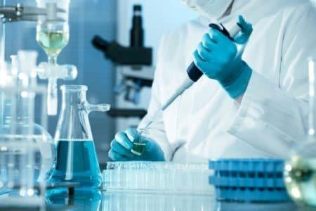 Analyse dans un laboratoire