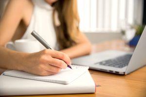 femme écriture
