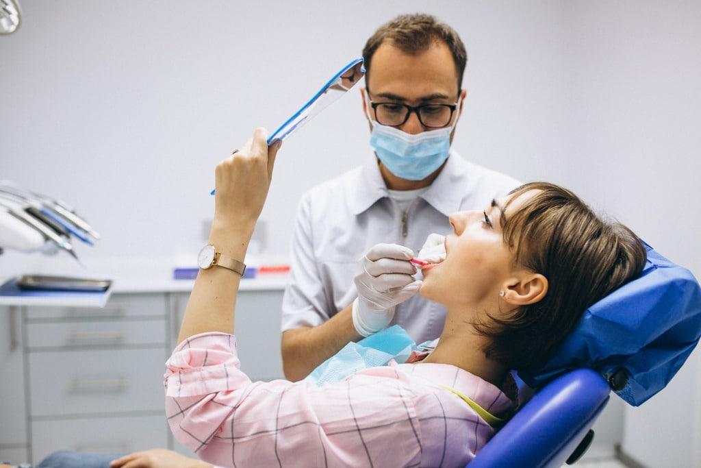 Orthodontiste: formation, débouchés et salaires 1
