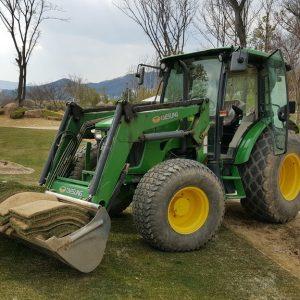 Le poste de tractoriste agricole 13