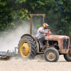 Le poste de conducteur / conductrice de tracteur 12